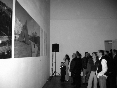 Installation view during opening in Künstlerhaus Vienna, 2004