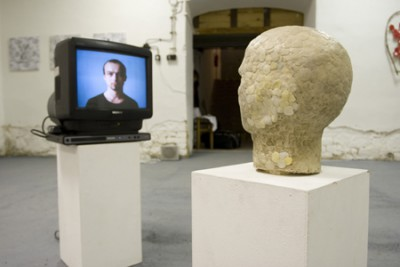 4mg, Installation, Video, Autoportrait made of chewing gum, 2009
